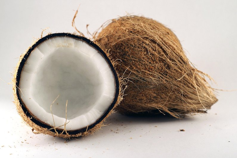 Recycling car plastics using coconut oil