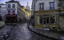 As ruas de Paris estão amontoadas de minúsculas joias vivas