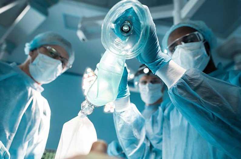 Evitar la anestesia general podría reducir la carga climática de la cirugía.